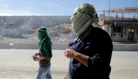 Scontri al checkpoint di Qalandya